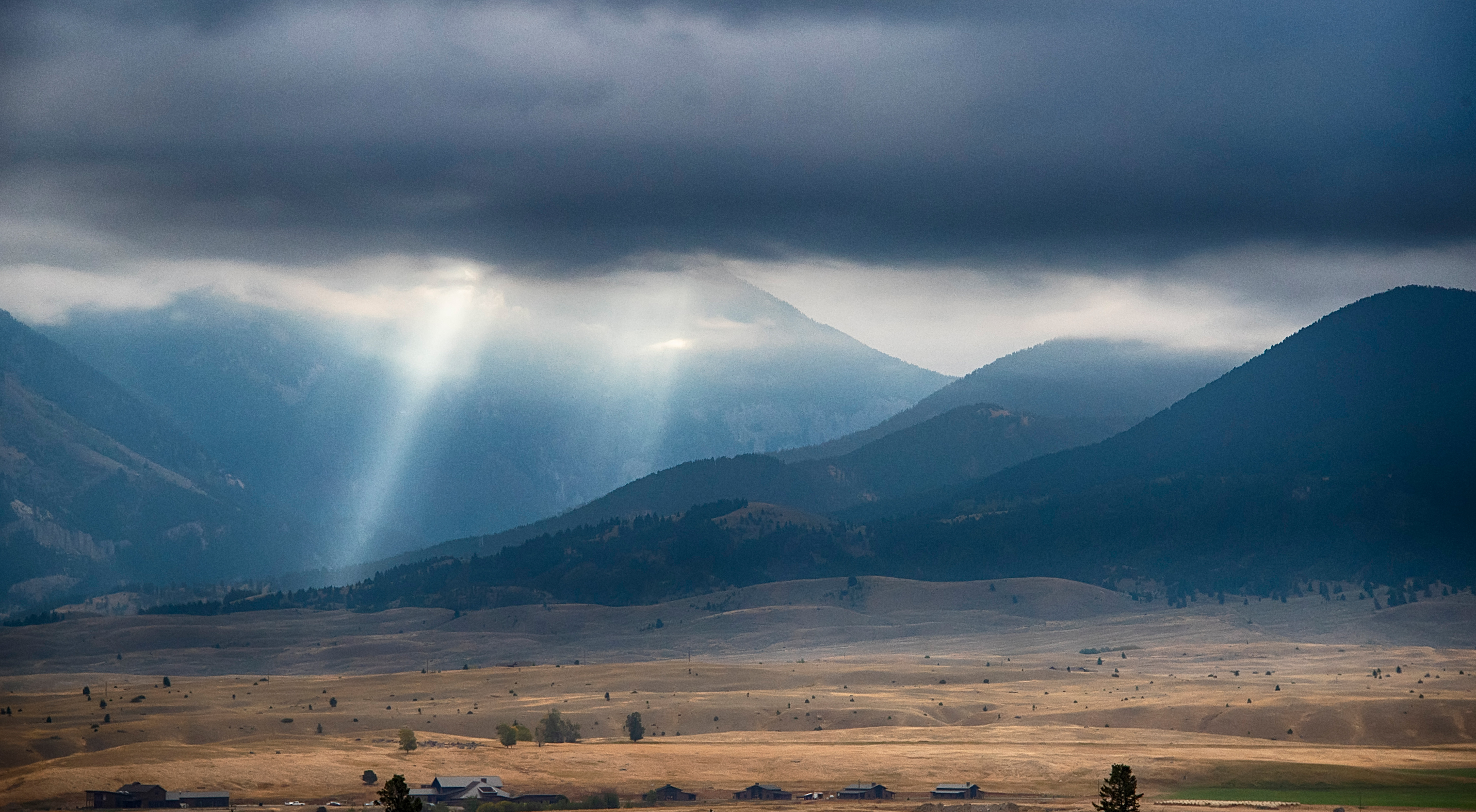 Sun Rays on the mountains
