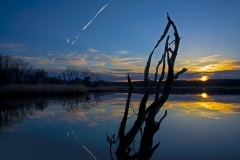 sunken-meadow-sunset-with-contrails_8507114
