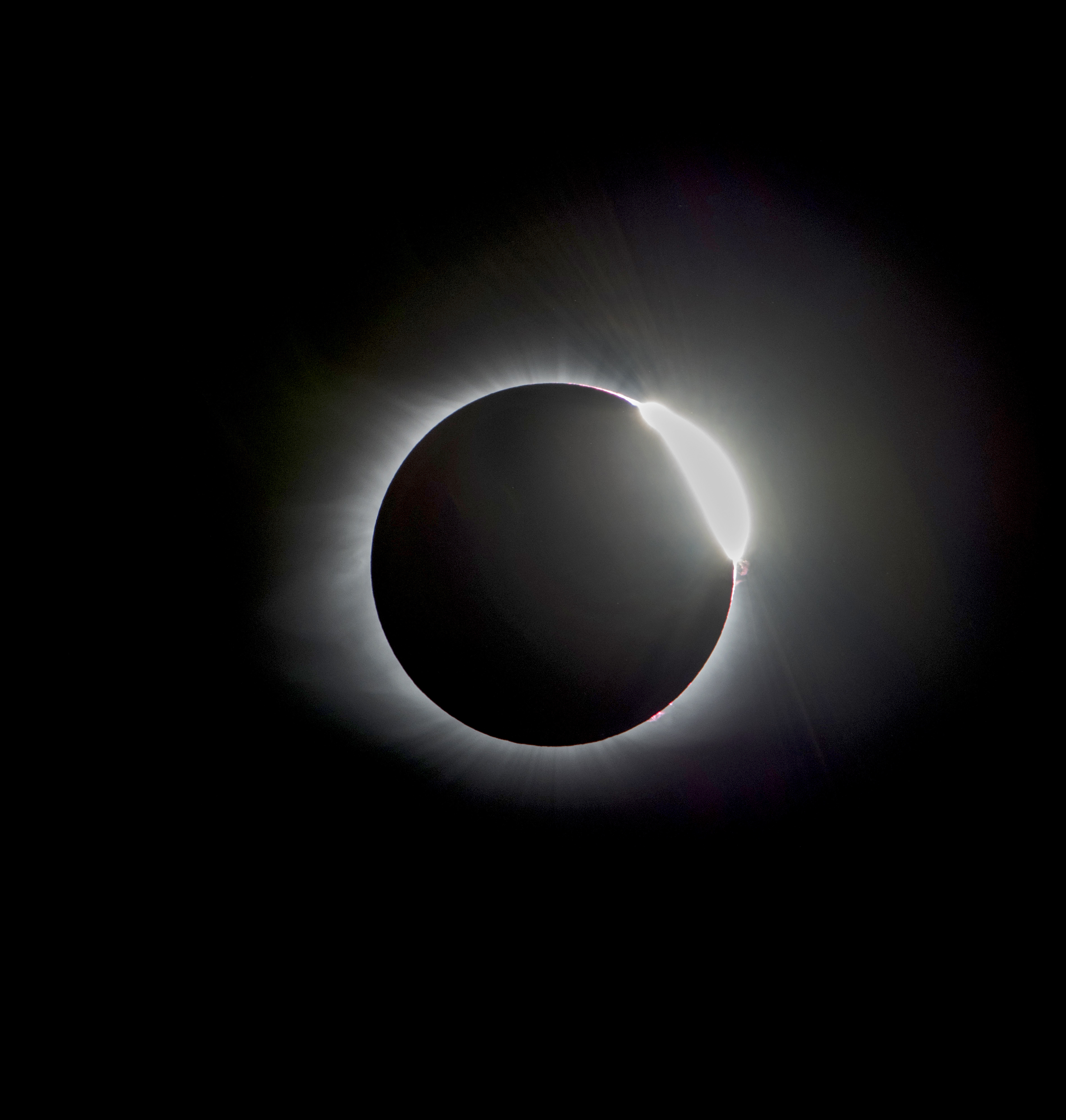 Total Solar Eclipse Peeking out 2017